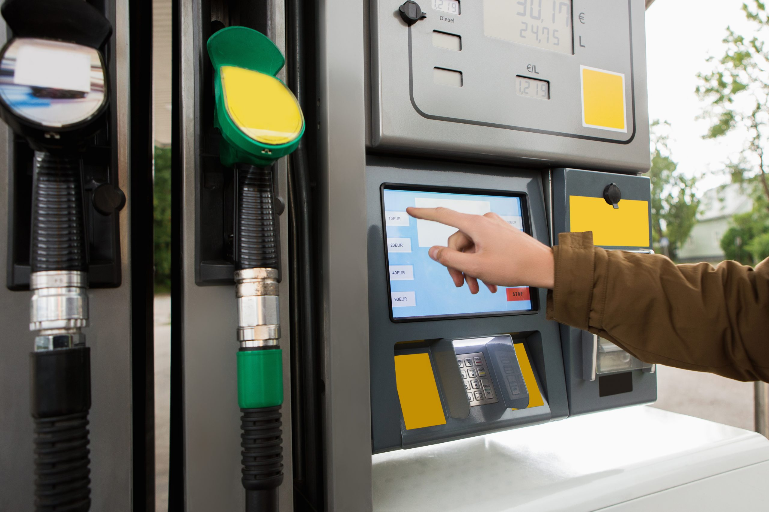 FUEL CARDS COMPARED TO CREDIT CARDS – WHAT'S THE DIFFERENCE?